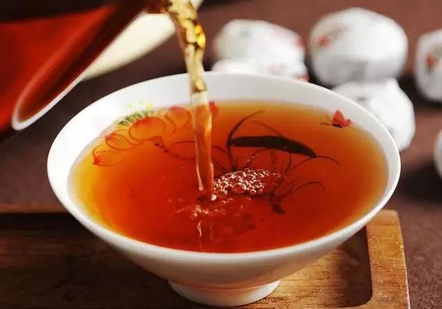 空腹不宜饮茶,为