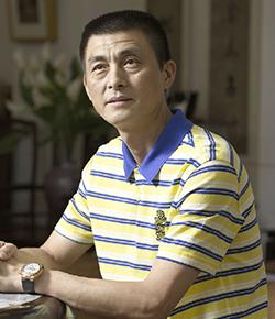 周志君:原创光塑就是他的代名词