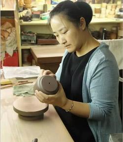 宜兴紫砂壶名家,邓亚亚