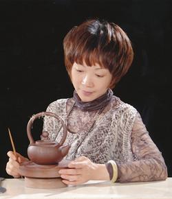 宜兴紫砂壶名家李霓