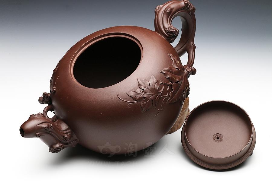 宜兴紫砂壶名家惠祥云紫砂壶-松鼠葡萄壶