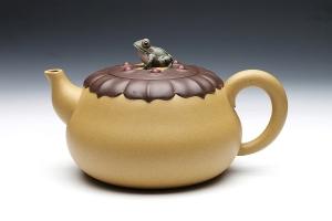 宜兴紫砂壶清莲壶