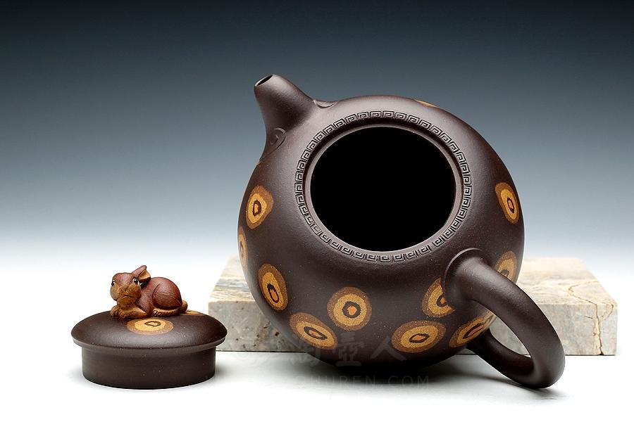 宜兴紫砂壶名家孟小军紫砂壶-玉兔呈祥(绞泥)壶