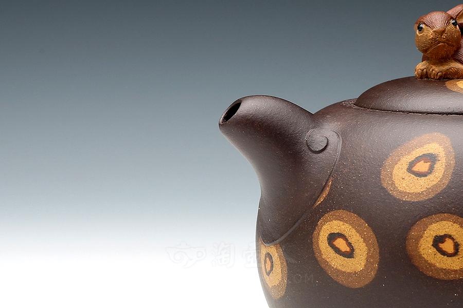 优发娱乐优发娱乐名家孟小军优发娱乐-玉兔呈祥(绞泥)壶