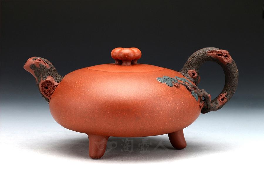 宜兴紫砂壶名家陈国良紫砂壶-松与灵芝壶