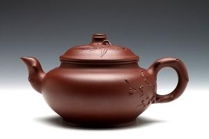 宜兴紫砂壶梅竹清泉