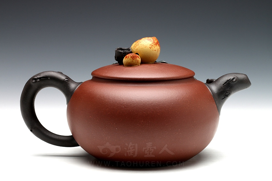 优发娱乐优发娱乐名家黄丽萍优发娱乐-寿桃(薄胎)壶