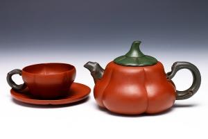 三件梅花套壶