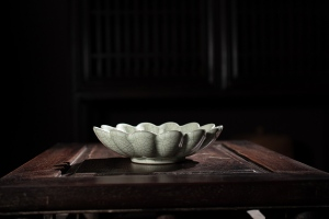 菊瓣盘(金丝铁线)