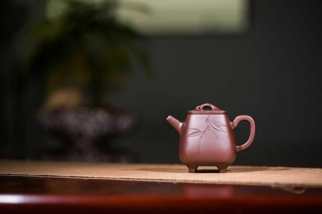 壶上添花,令人叹为观止的紫砂壶贴花艺术